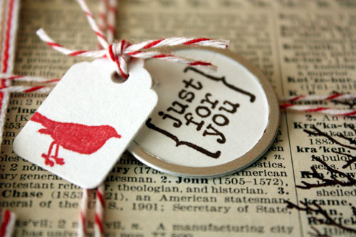 newspaper-gift-wrap-ideas