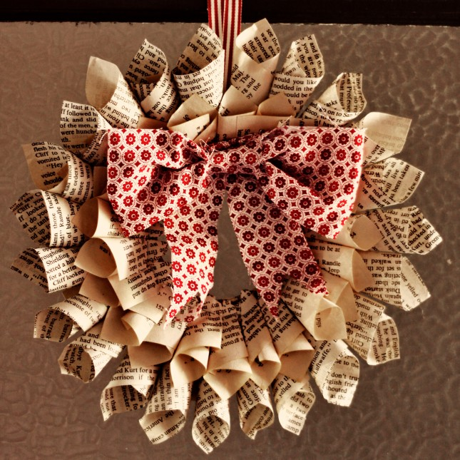 recyclable-paper-christmas-wreath_mg_0553.jpg