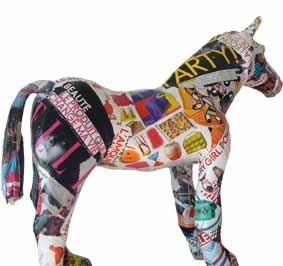 Cheval multicolor.jpg