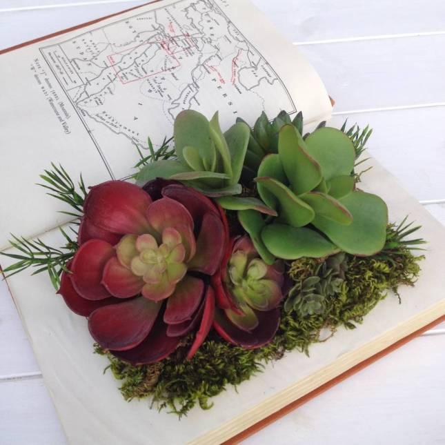 Livre book petits objets de compagnie for Jardin deluxe fleurs