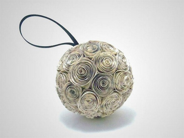 book-page-christmas-ornaments-paper-ball-repurposed-decoration-idea.jpg