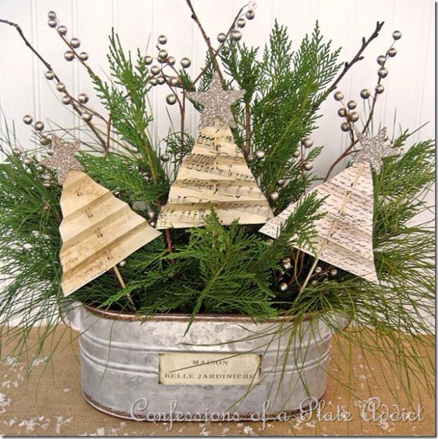 Shabby-Christmas-Centerpiece.jpg