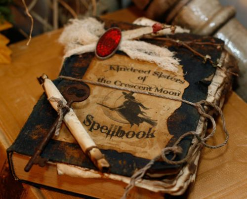 f4bdc4f89d4bc002f7066e653d997b06--halloween-books-halloween-witches.jpg