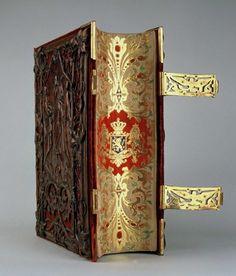 b8eef0808b9ba6c571c9db492c59d6f9--queen-maxima-old-books.jpg